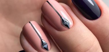Intricate Designs For The Short Acrylic Nails