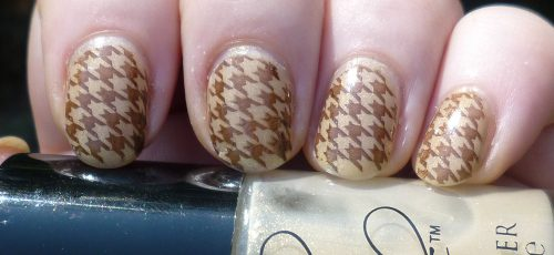 Houndstooth Nail Designs That You Can Try This Fall