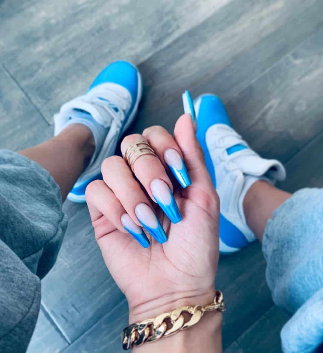 Warm Up Your Hands With These Perfect Nail Designs For The Winter - The Blues
