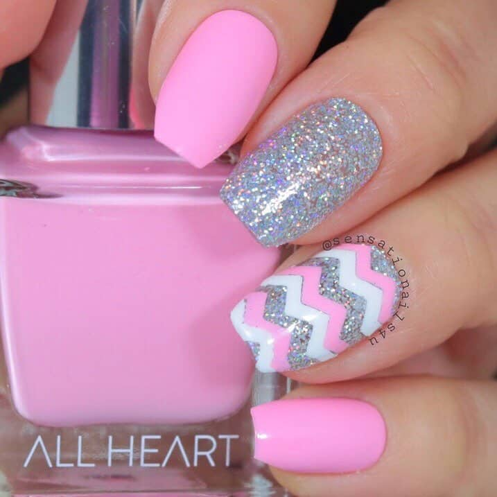 Create New Nails Design Ideas with the Chevron Pattern - Play with Glitters