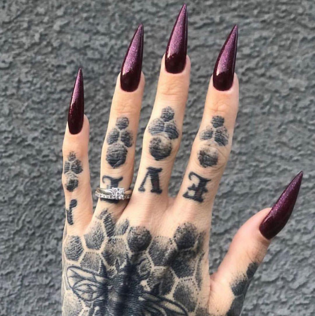 stiletto nails ideas | goth burgundy stiletto nails