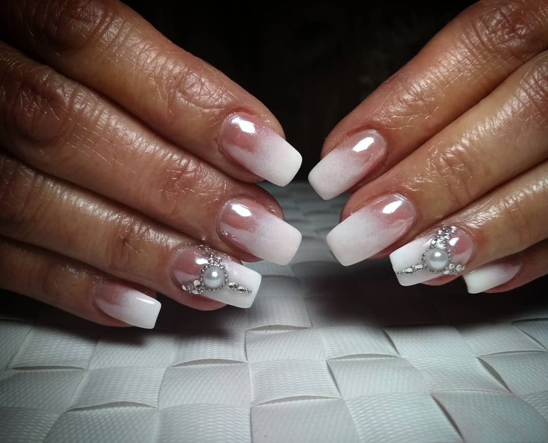 Intricate Designs For The Short Acrylic Nails - Ombre Designs