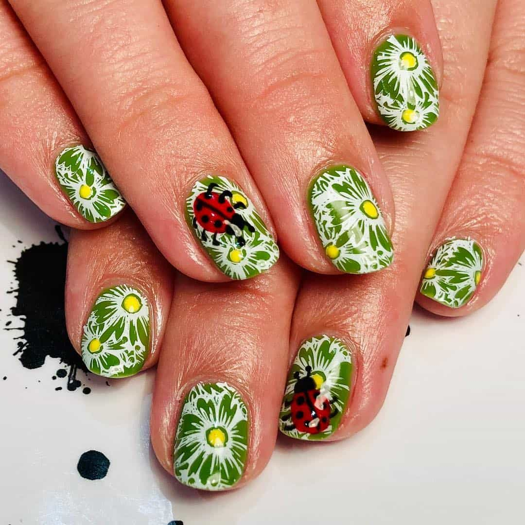 Intricate Designs For The Short Acrylic Nails - Floral Designs