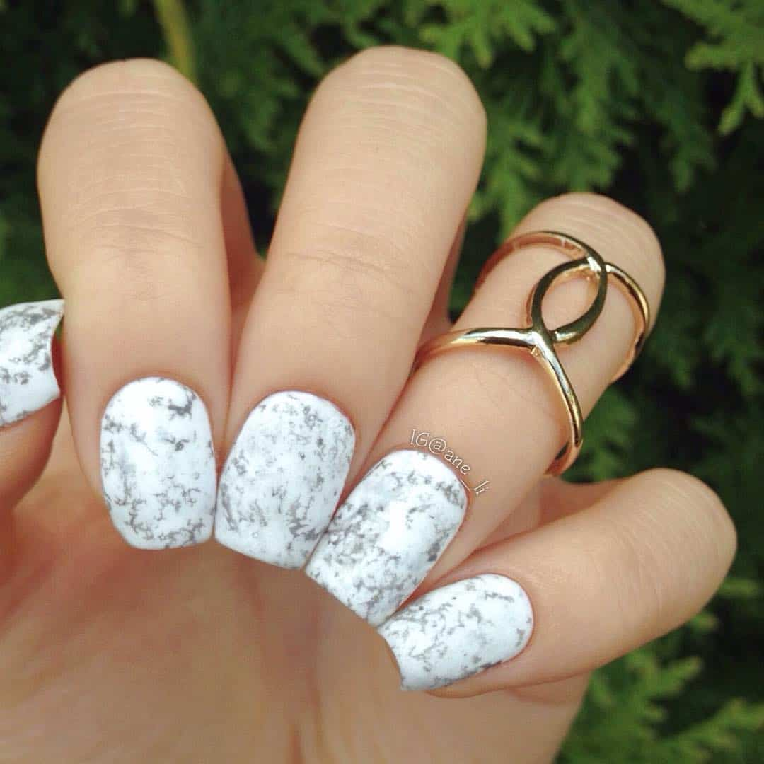 32 Extraordinary White Acrylic Nail Designs to Finish Your Trendy Look - White Acrylic Nail Art