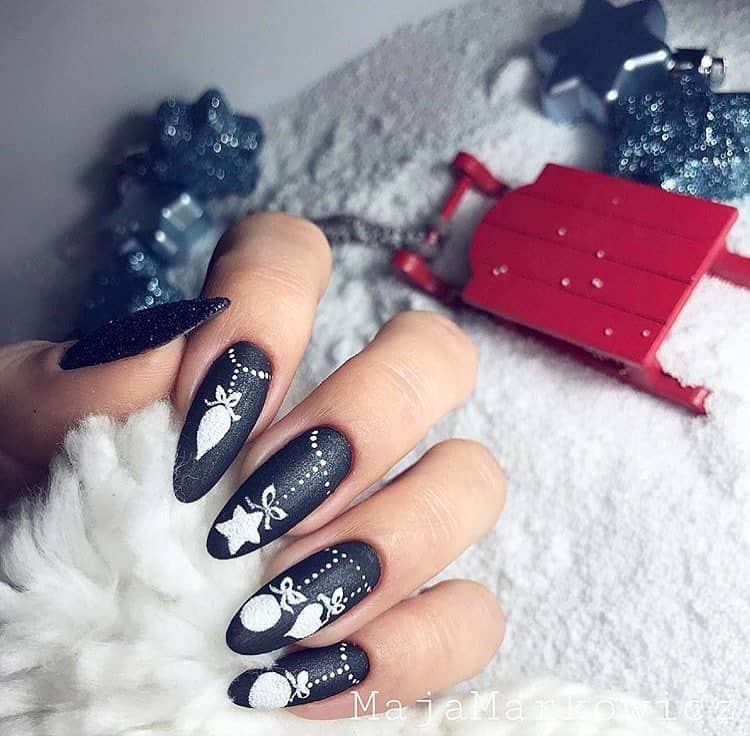30 Creative Designs for Black Acrylic Nails That Will Catch Your Eye - Matte Black Acrylic Nails