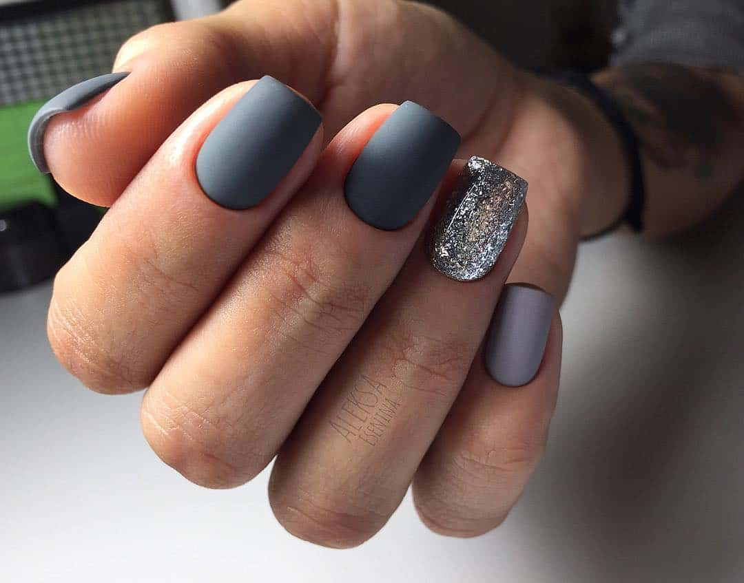 Amazing Matte Acrylic Nails When You Are Tired of the Glossy Ones - Intricate Glitter Accents
