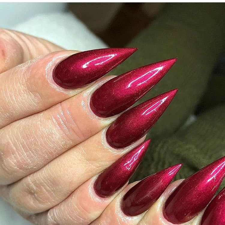 18 Creative Acrylic Nail Designs With The Red Shade Every Girl Will Secretly Adore - Red Stiletto Nails