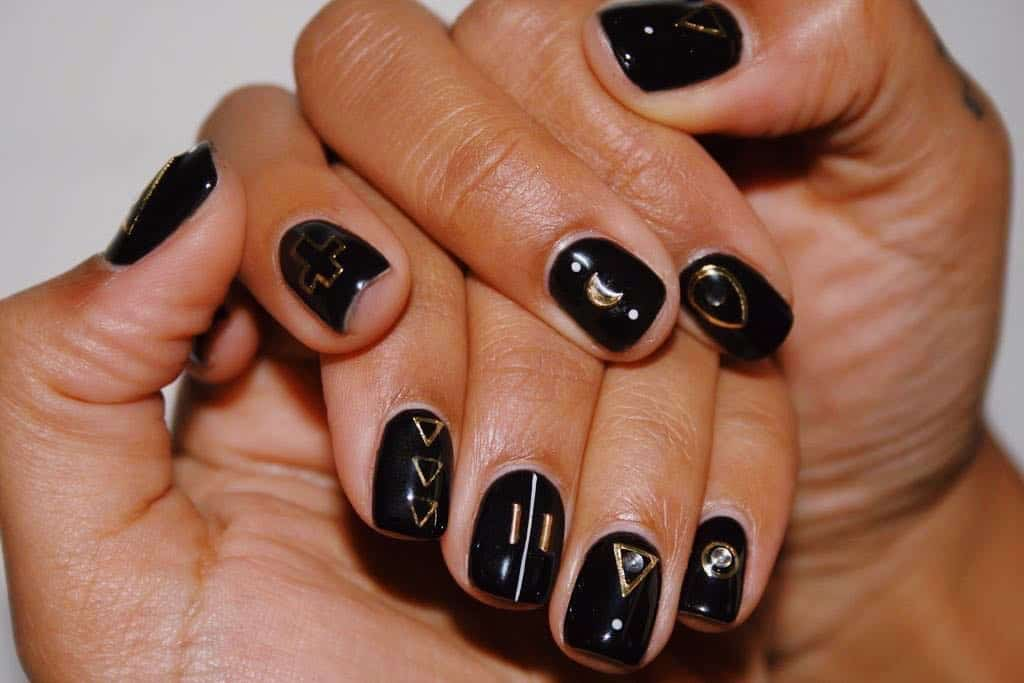 30 Creative Designs for Black Acrylic Nails That Will Catch Your Eye - Black Oval Nails