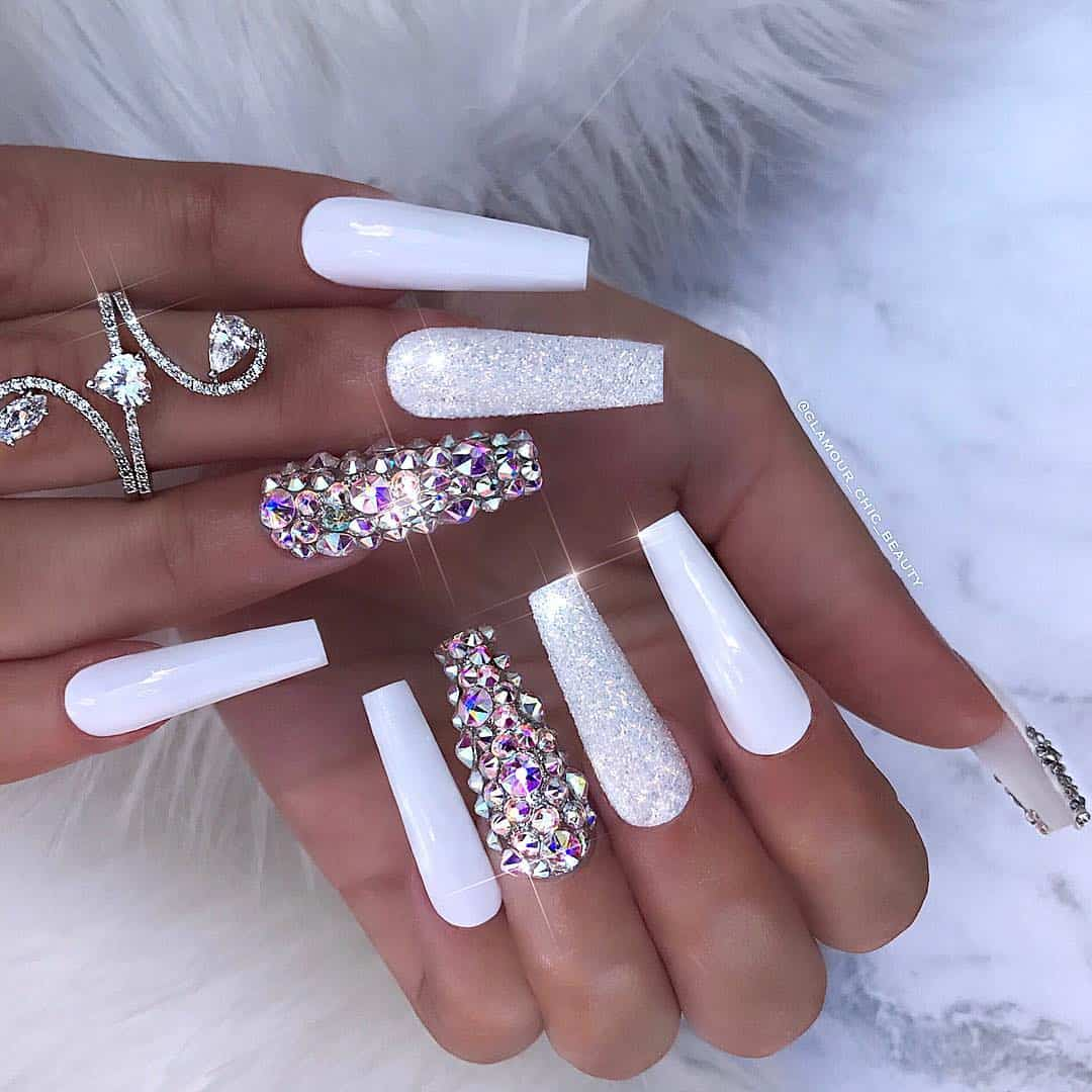 32 Extraordinary White Acrylic Nail Designs To Finish Your Trendy