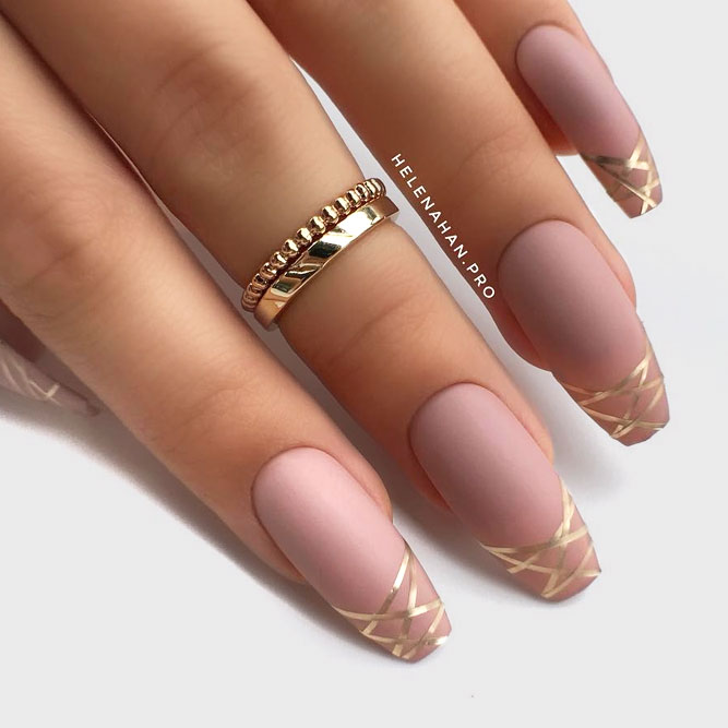 21 Elegant Design Coffin Acrylic Nails You Should Try Right Now - Metallic Stripes Nail Art